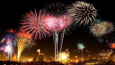Jakie fajerwerki i petardy wybrać na nowy rok