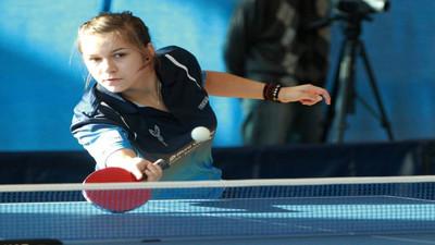 Jak odbierać niskie piłki w tenisie stołowym
