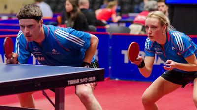 Jak odbierać ścięte piłki w tenisie stołowym