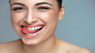 Jak usunąć osad i nalot na zębach