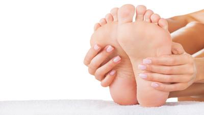 Jak leczyć i usunąć ostrogi na piętach