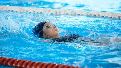 Jak nauczyć się pływać na plecach