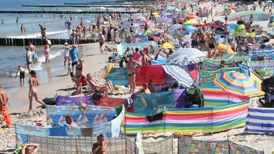 Jaki wybrać parawan plażowy