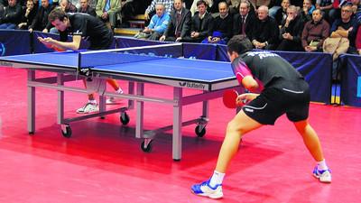 Jak ścinać i podkręcać piłki w tenisie stołowym