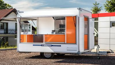 Mobilna gastronomia – wózki i przyczepy gastronomiczne