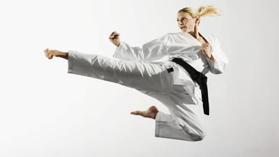 Co daje trenowanie sztuk walki